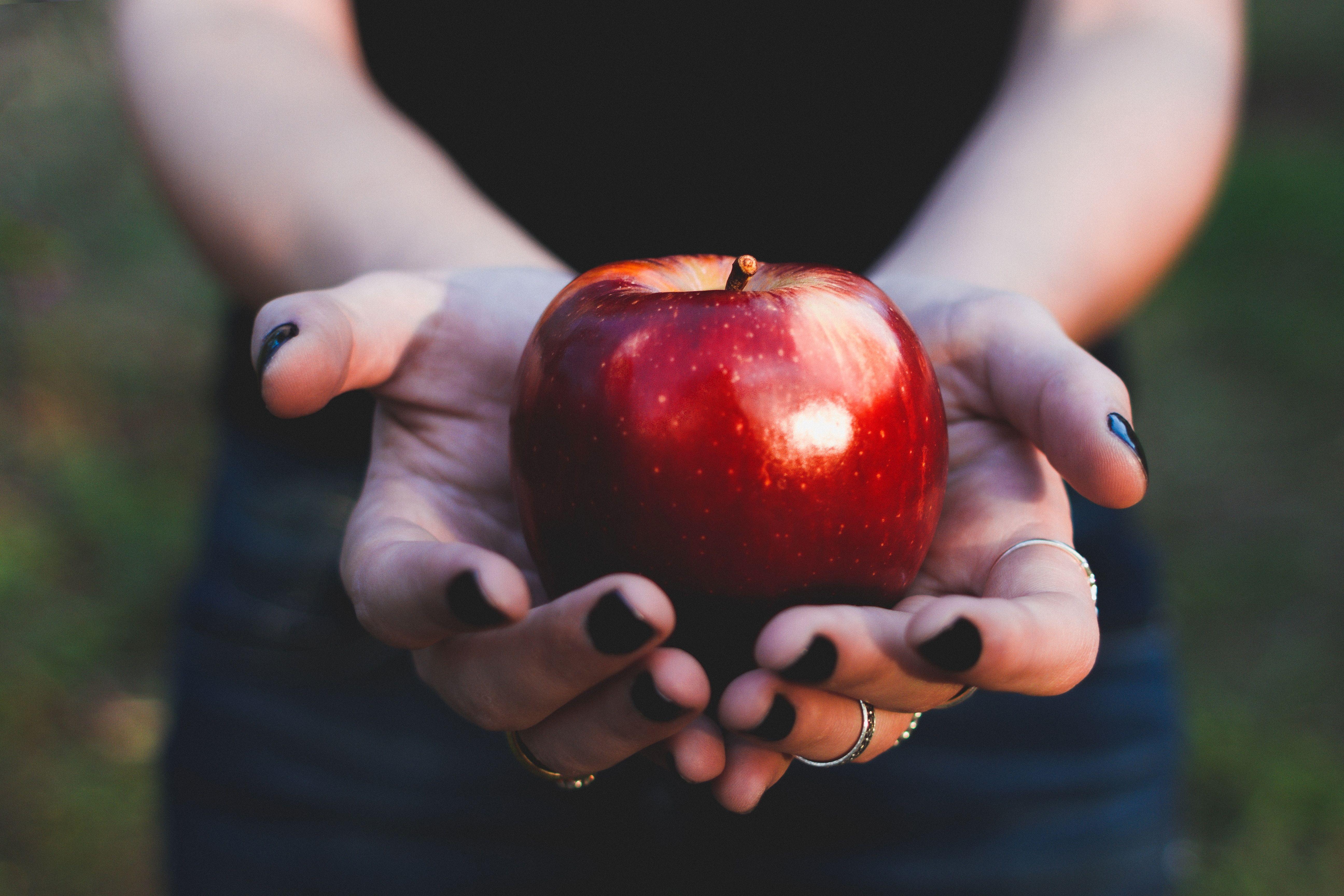 beneficios manzana piel