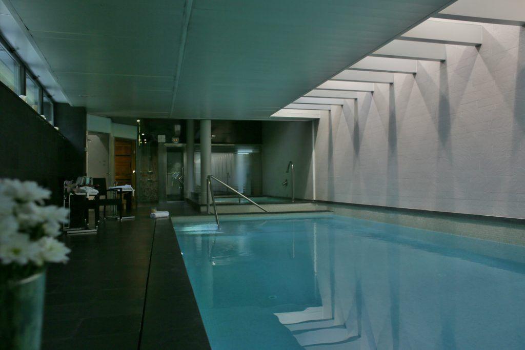 hotel spa niwa piscina
