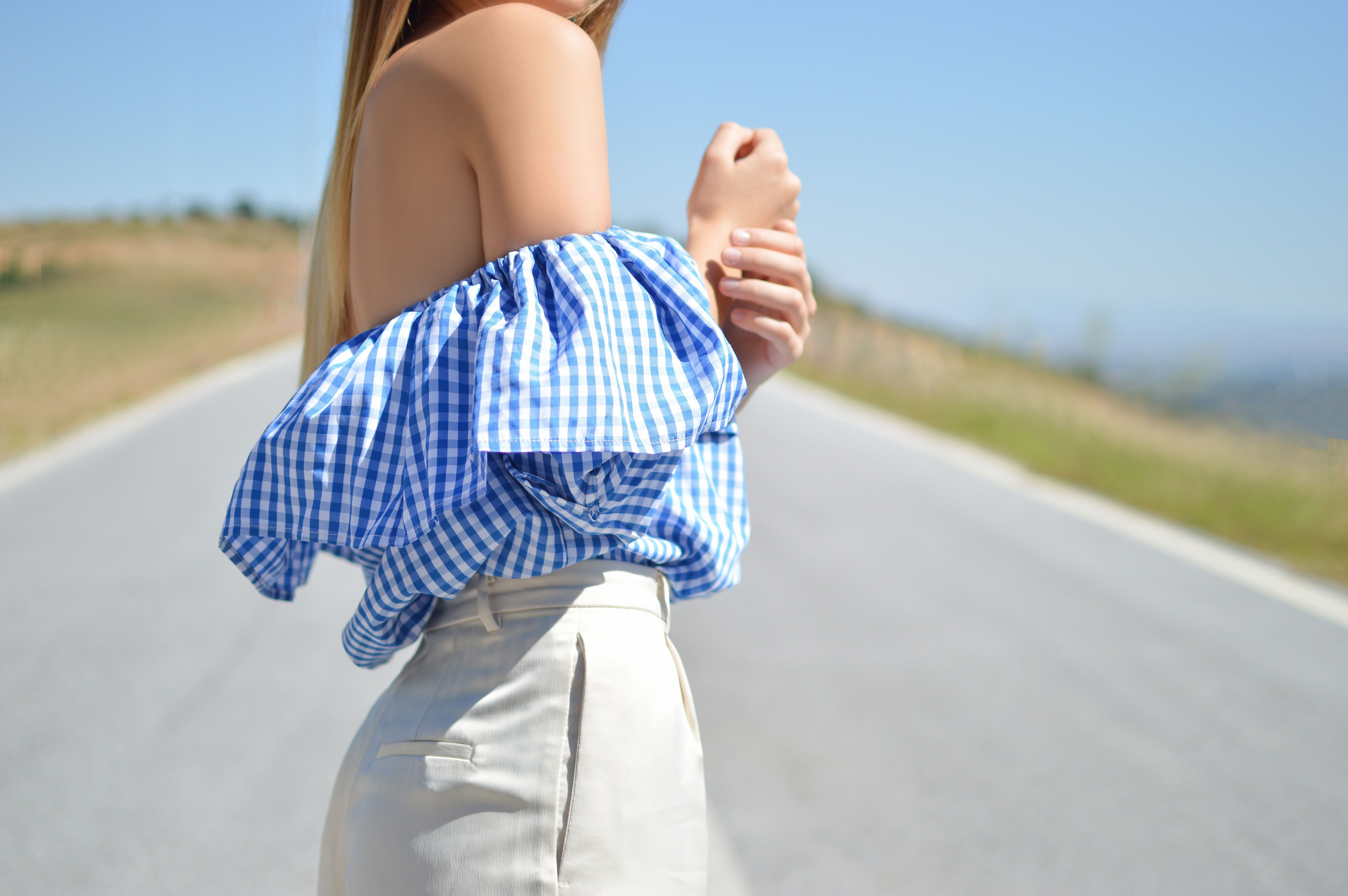 tendencias de moda hombros al descubierto
