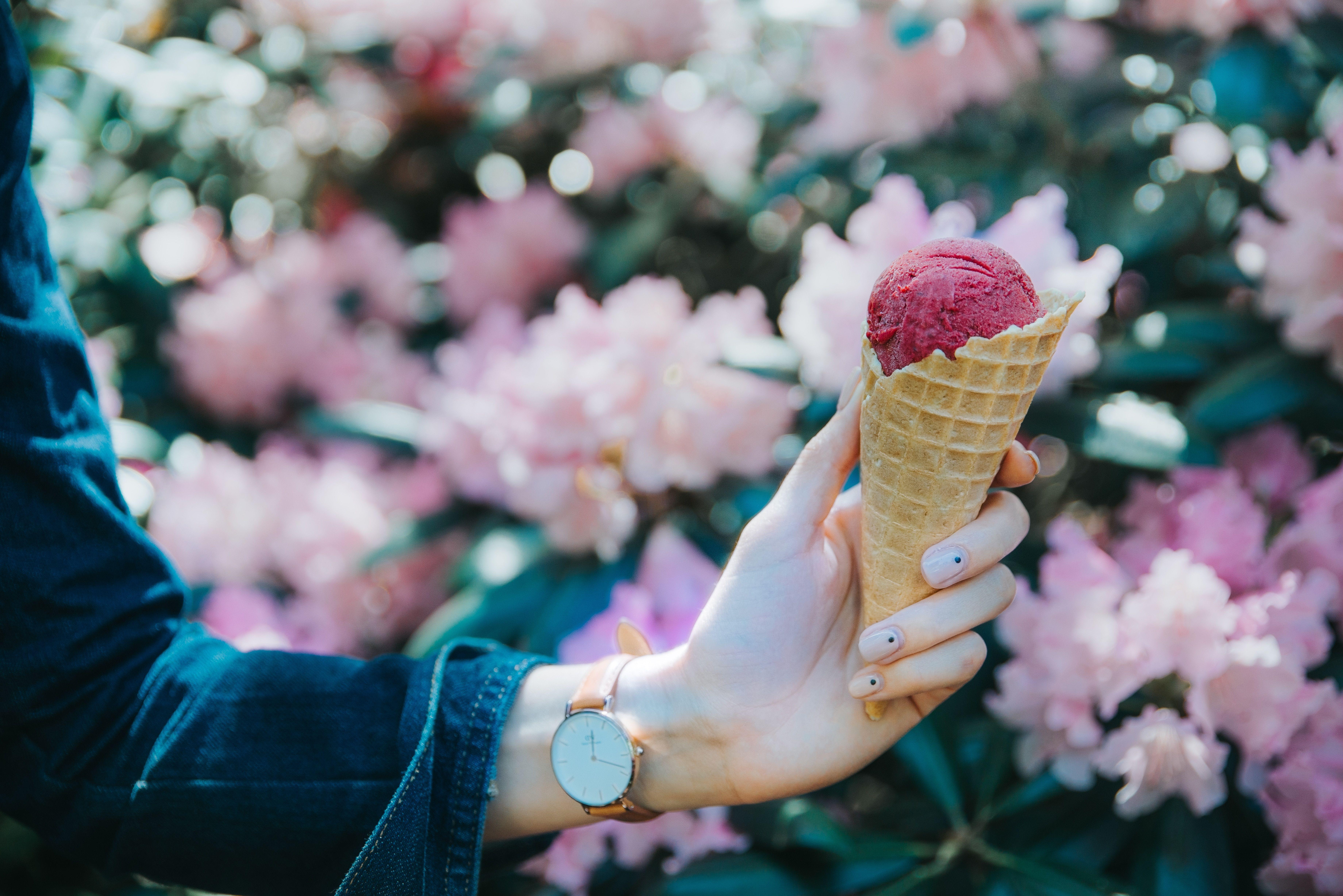 los beneficios de tomar helado