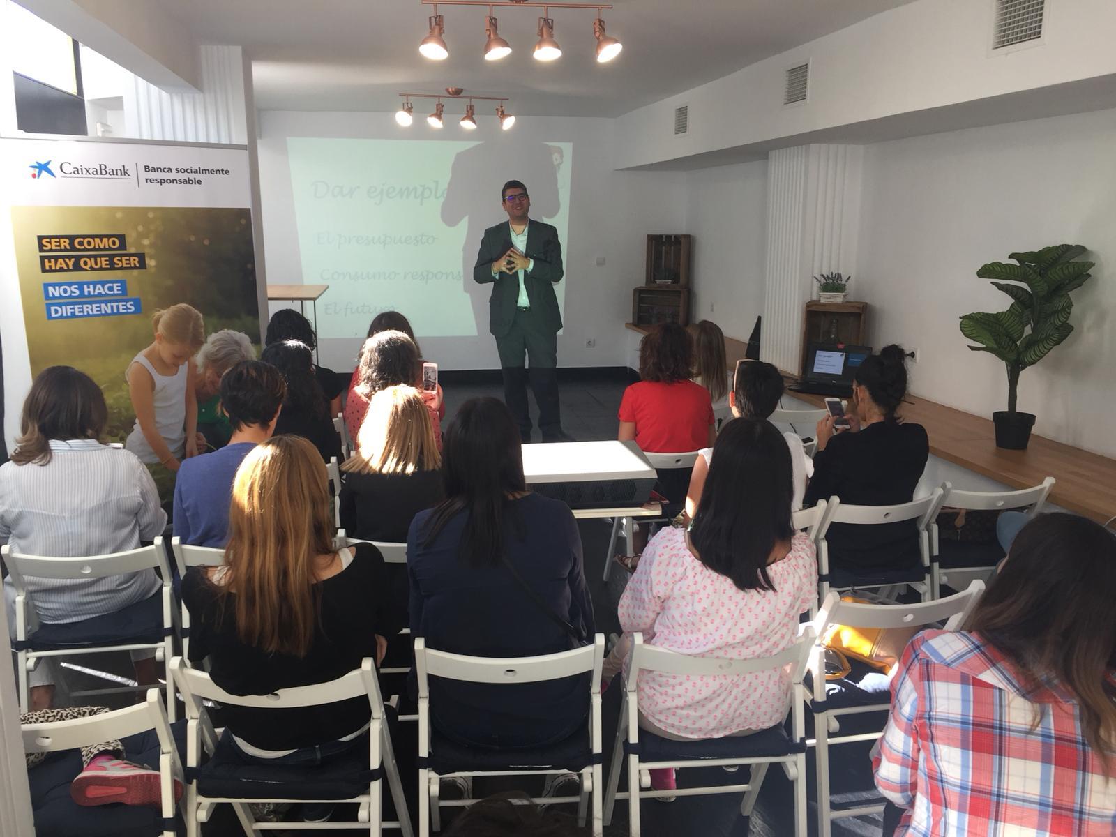 evento caixabank madresfera cómo enseñar finanzas a tus hijos