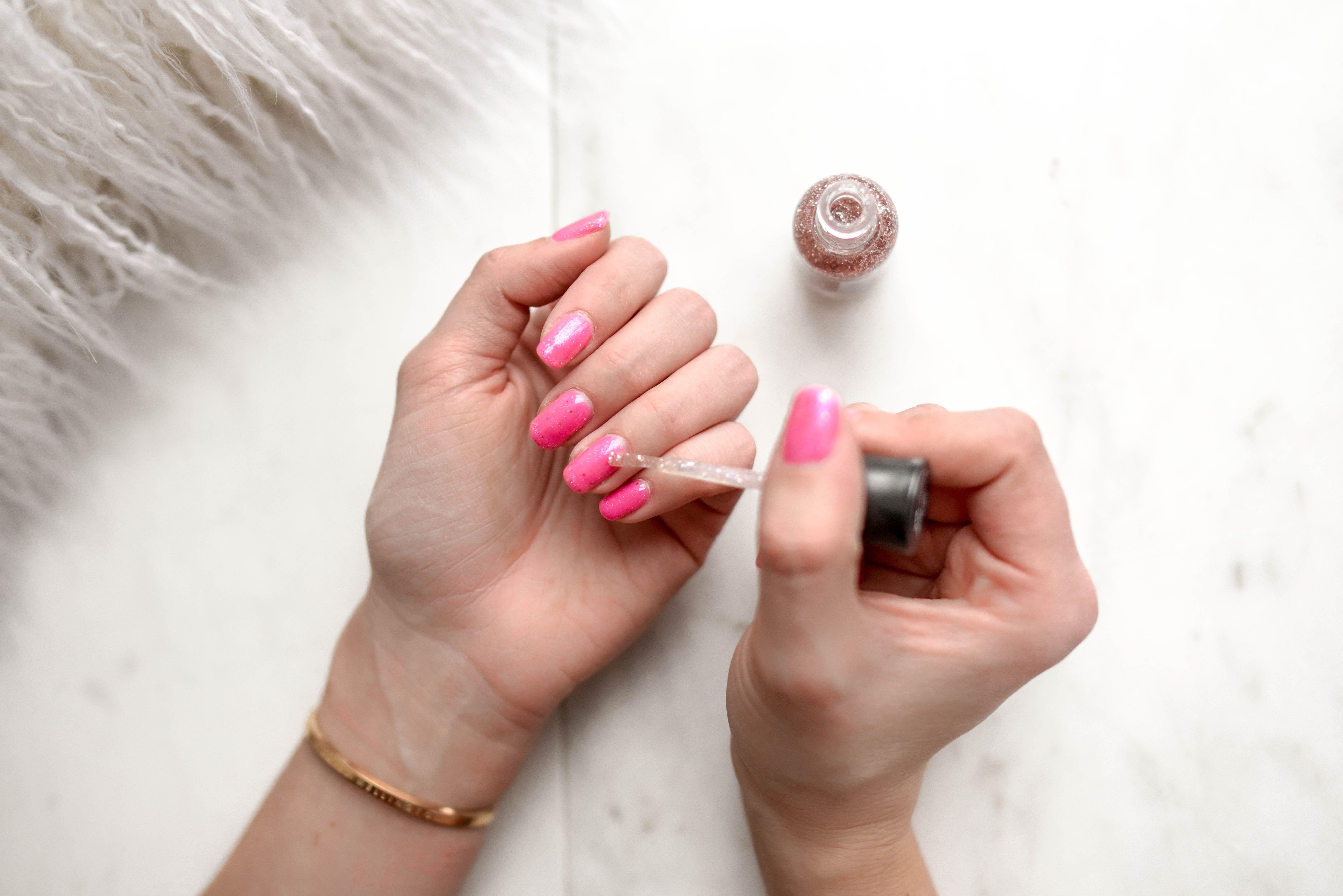 tratamientos de belleza manicura