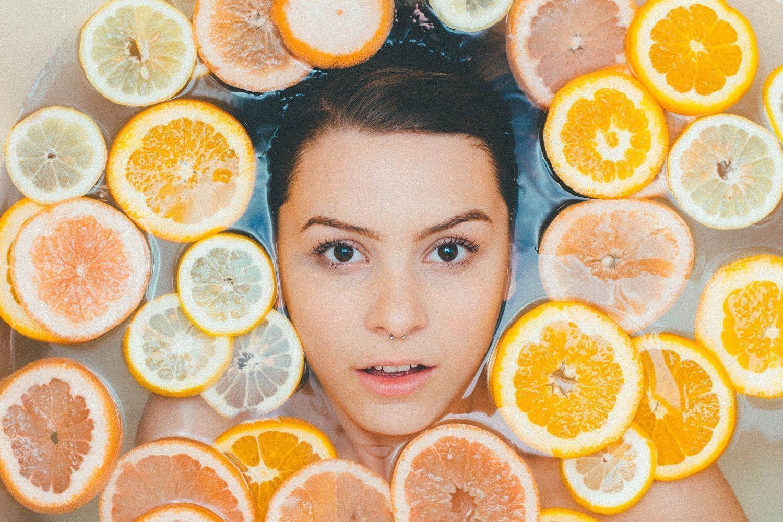 iluminar piel apagada vitamina c