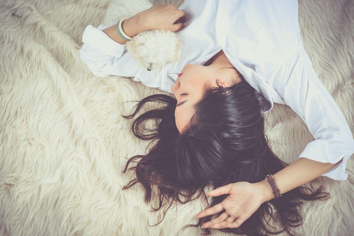 prevenir las arrugas mientras duermes
