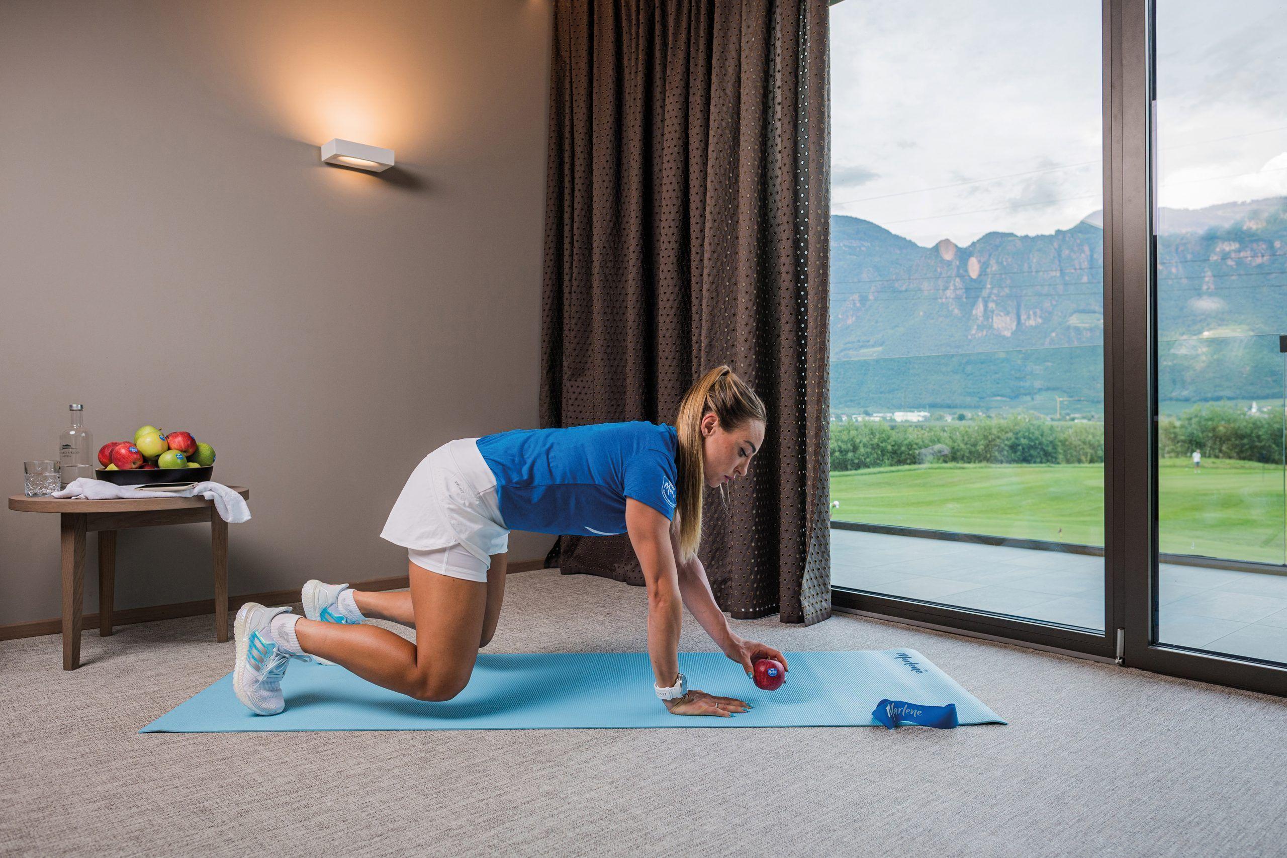 tonificar brazos y piernas anti-rotación a cuatro patas